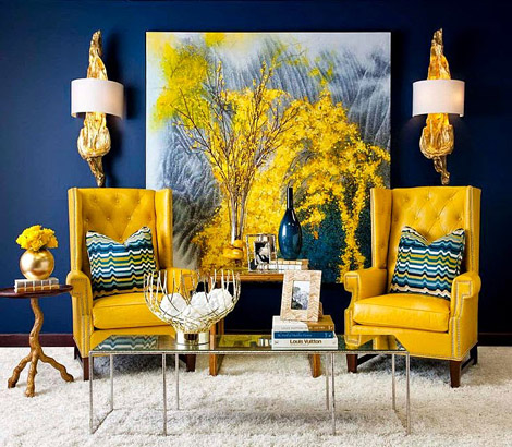 caution-yellow-and-dark-blue-contrasts-living-room-decor.jpg